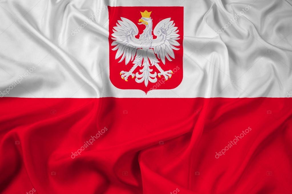 Ondeando La Bandera De Polonia Con El Escudo