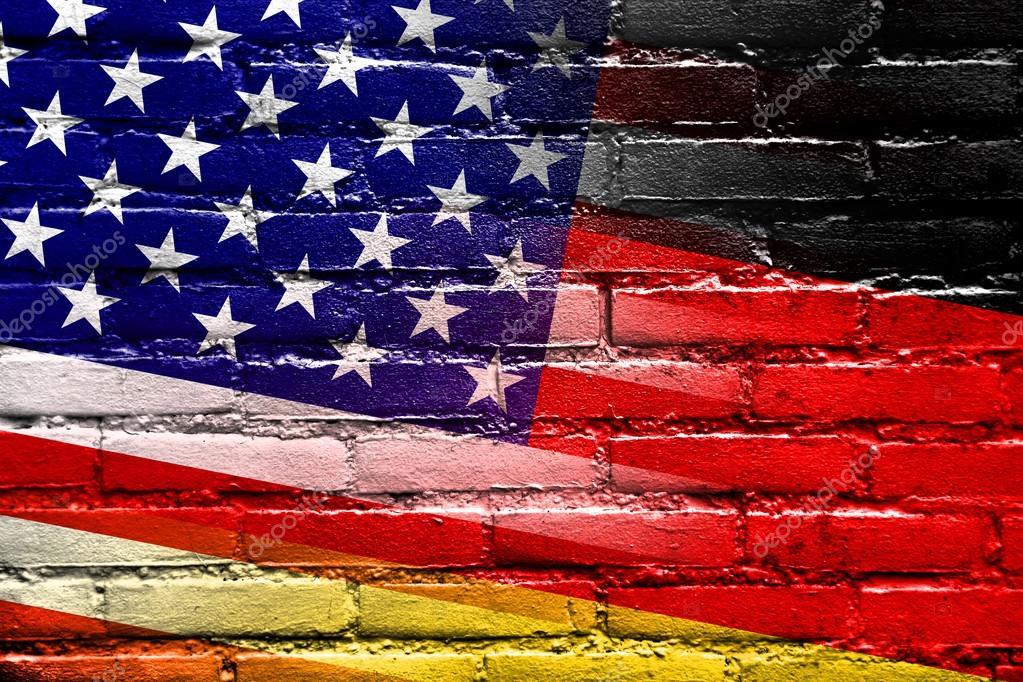 usa und deutschland fahne die auf die wand gemalt stockfoto 52125293. Black Bedroom Furniture Sets. Home Design Ideas