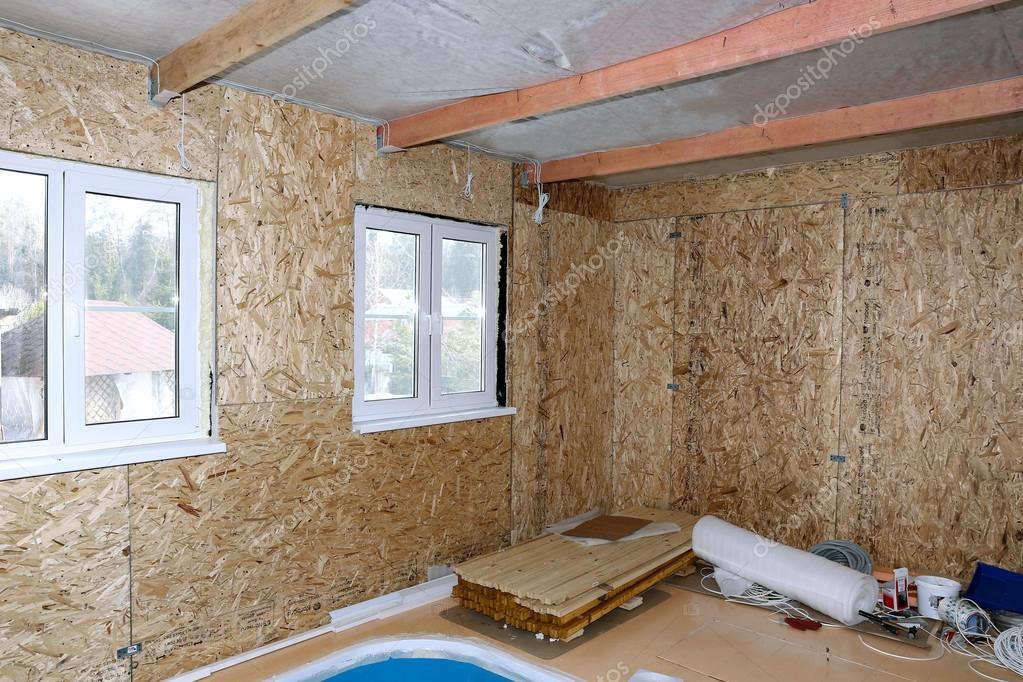 Costruzione di casa di legno foto stock kingan77 for Piccoli piani di costruzione casa