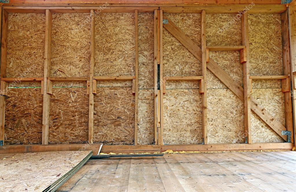 Construcci n de muros de marco de madera foto de stock - Muro de madera ...