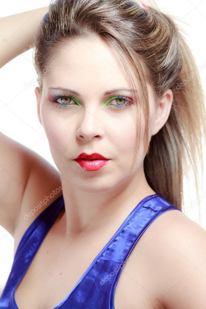 Hermosa Cara Rubia Joven Atractiva Con Maquillaje Desnudo