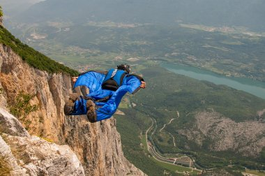 base jumping from the mountains