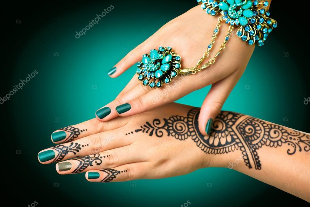 Mehndi Like Tattoo : Intricate mehndi tattoos for women