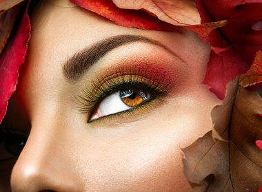 Autumn make up for brown eyes.