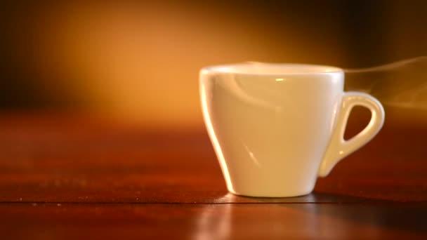 Csésze forró kávé Espresso gőzzel