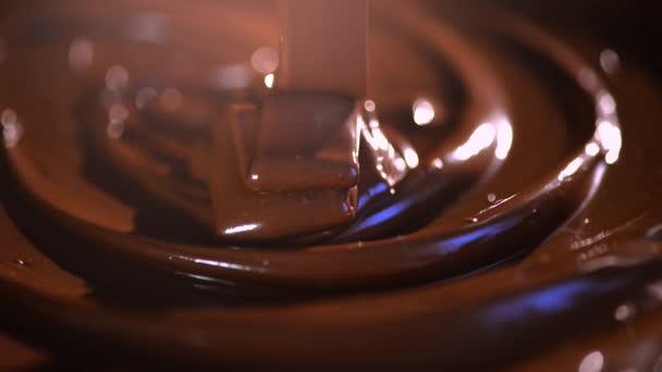 rozpuštěné hořké čokolády