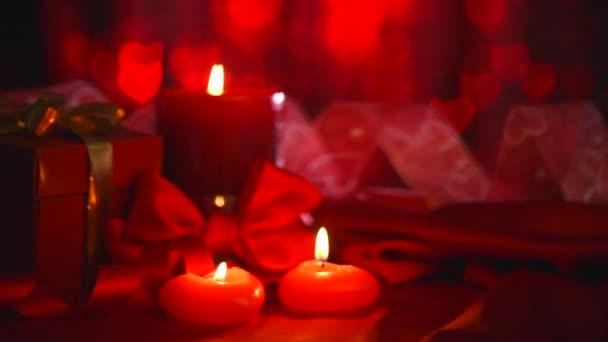 Krásný Valentýn scéna se svíčkami.