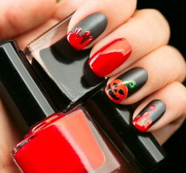 Halloween nail art design.