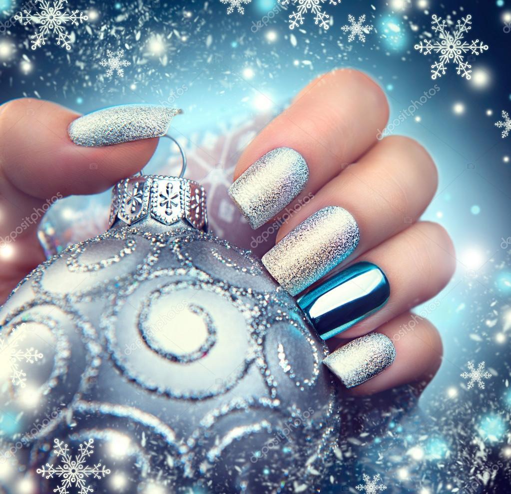 Kerstmis nagel kunst manicure — Stockfoto © Subbotina #95499334