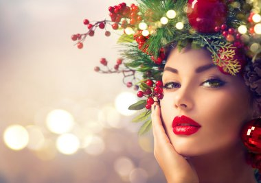 woman with Christmas holiday makeup