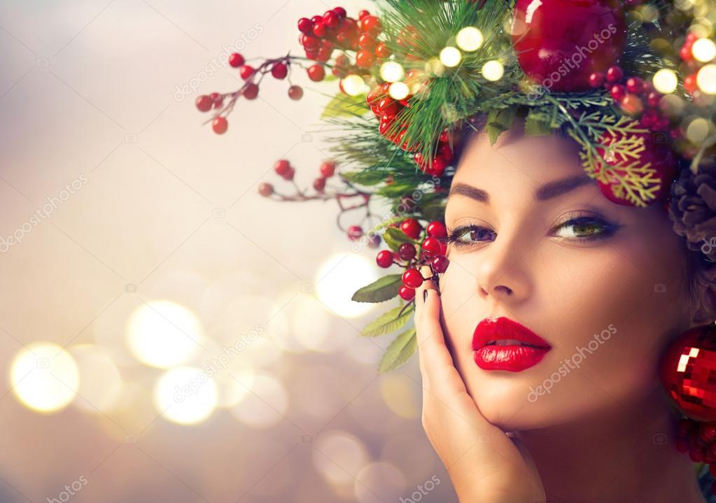 woman with Christmas holiday makeup