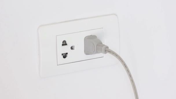 Konnektor elektromos energiát megtakarítani kihúzza vezetéket.