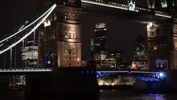 Big Ben, v noci blízko