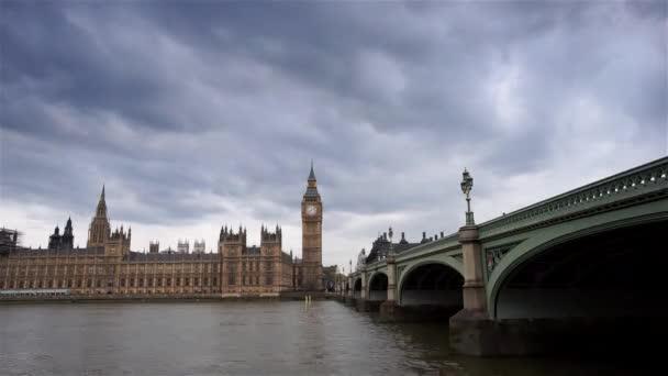 London Panorama patří Westminsterský palác a Big Ben