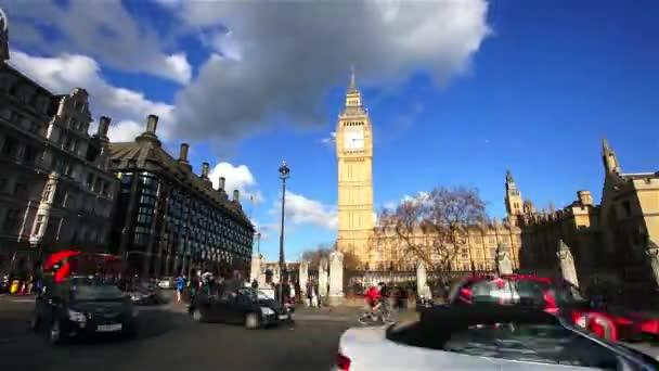 Scéna z londýnského Westminsteru patří Big Ben