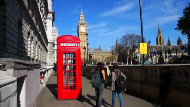 Červená telefonní budka, Big Ben, náměstí parlamentu