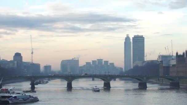 London Panorama, Westminster Bridge a Big Ben přítomen