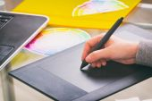 Fotografie Designer using graphics tablet