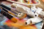 Aristische Farben und Pinsel