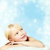 Fotografie lächelnd Mädchen in Nikolausmütze