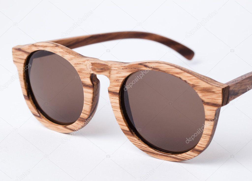 366f75daf3 Λεπτομέρεια ξύλινα γυαλιά ηλίου — Φωτογραφία Αρχείου © ramonespelt1 ...