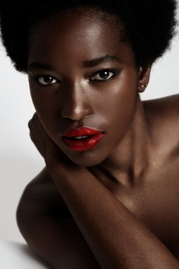 african woman with violet lips
