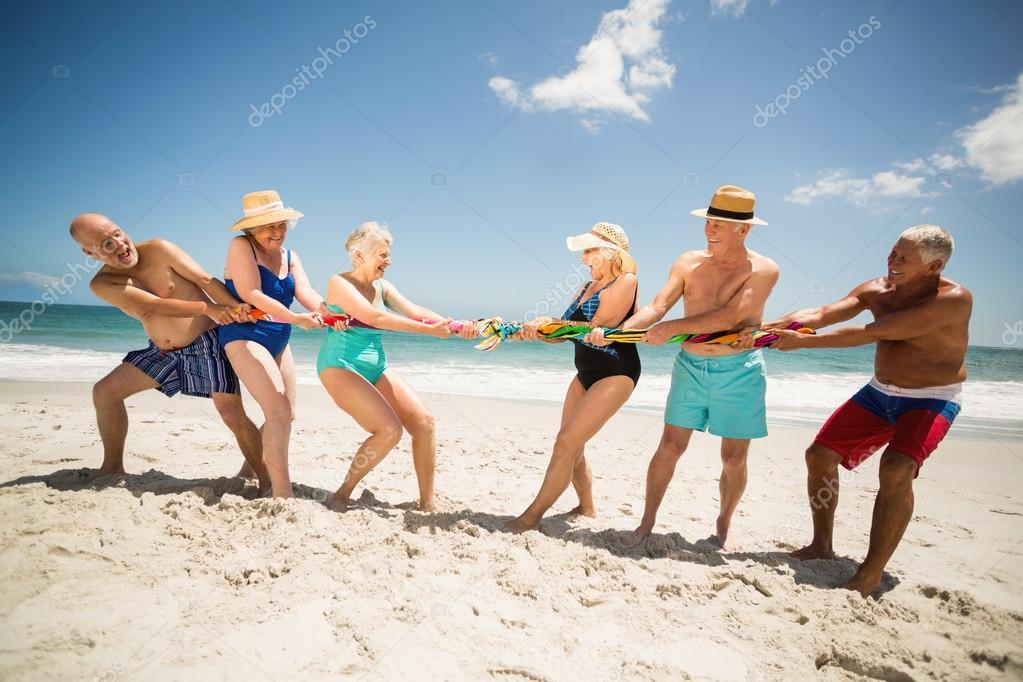 Afbeeldingsresultaat voor touwtrekken op strand