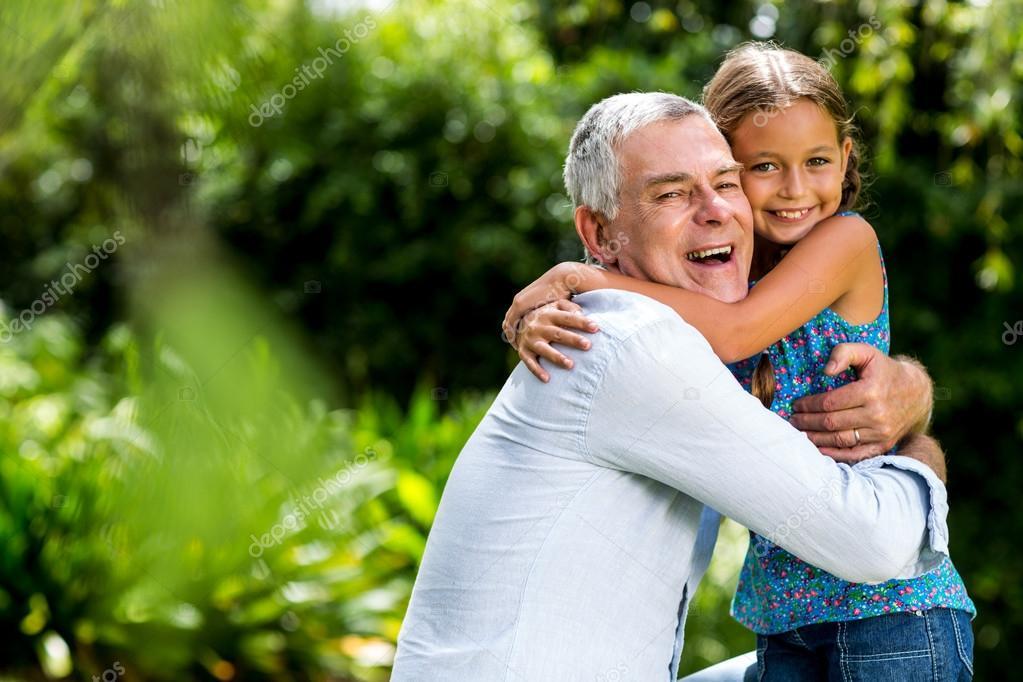 Image result for imagenes de abrazos con abuelos