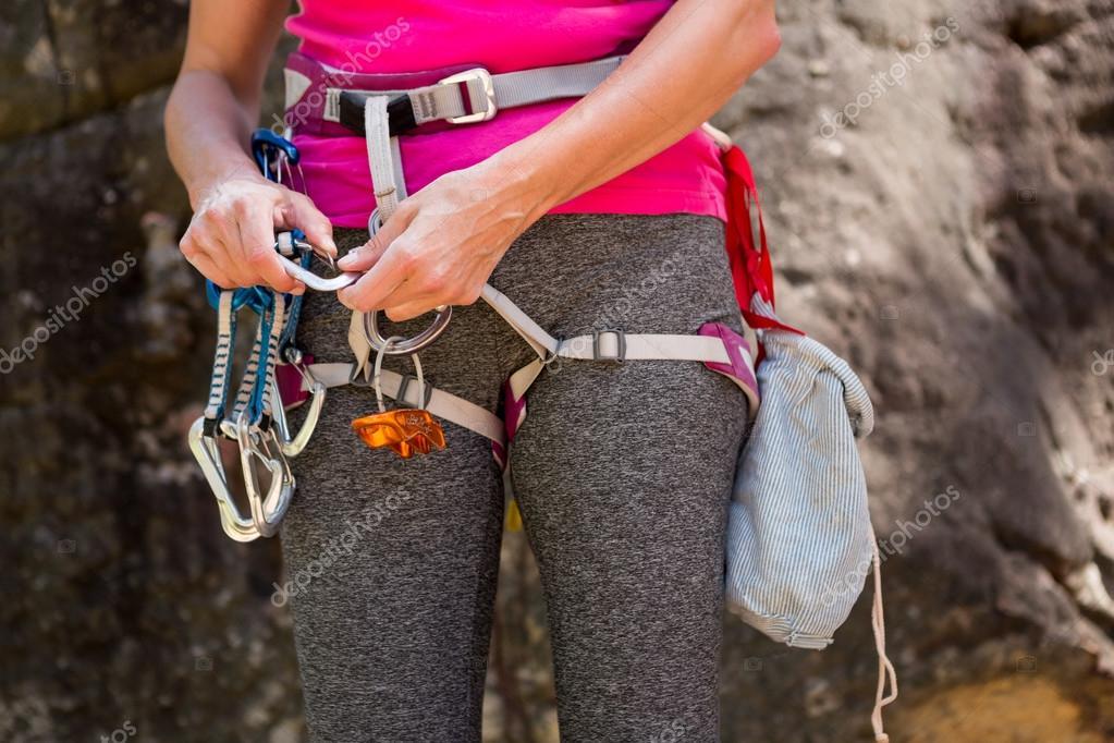 Kletterausrüstung In Der Nähe : Nahaufnahme kletterausrüstung u stockfoto wavebreakmedia