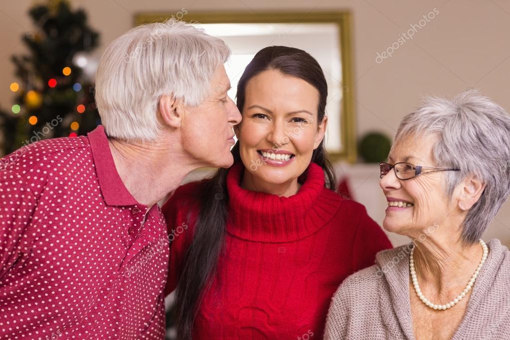 Grand p re de baiser la m re no l photographie - Photo de mere noel a telecharger ...