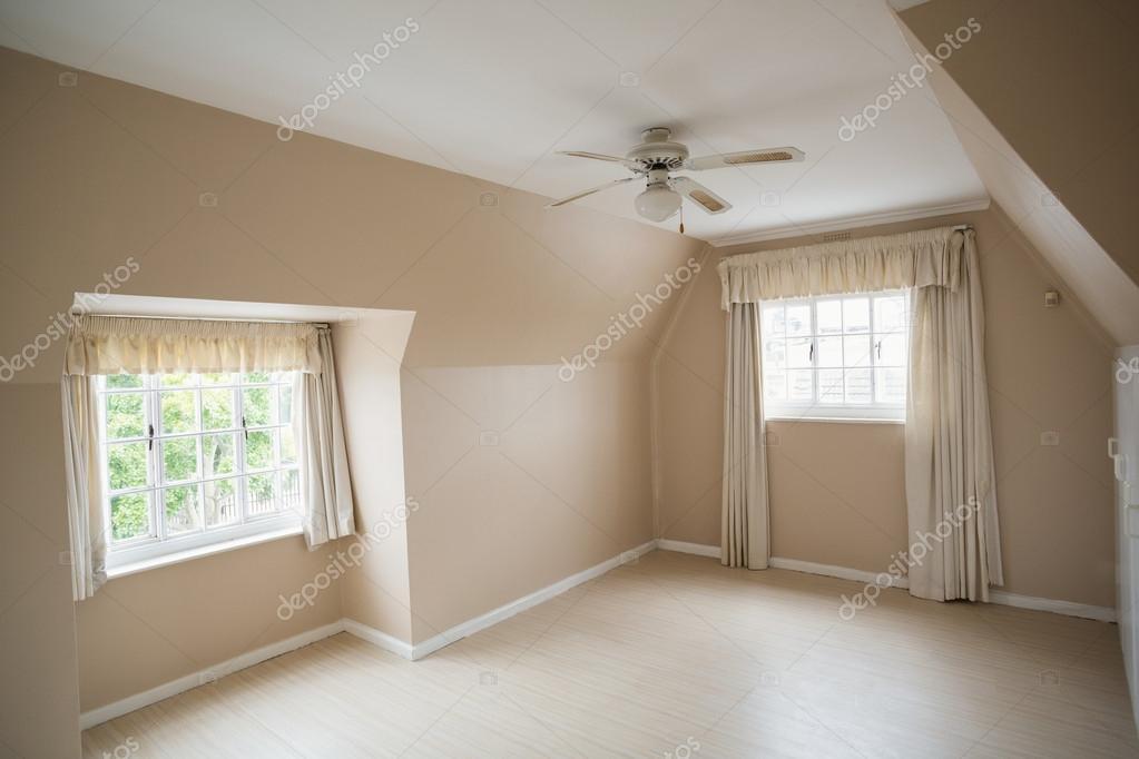 Leere Master Schlafzimmer In Creme Und Beige U2014 Stockfoto
