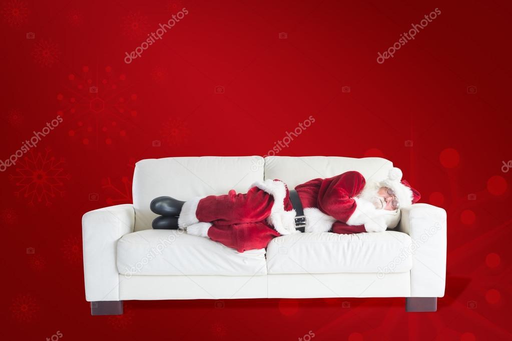 Babbo natale dorme sul divano foto stock - Sesso sfrenato sul divano ...