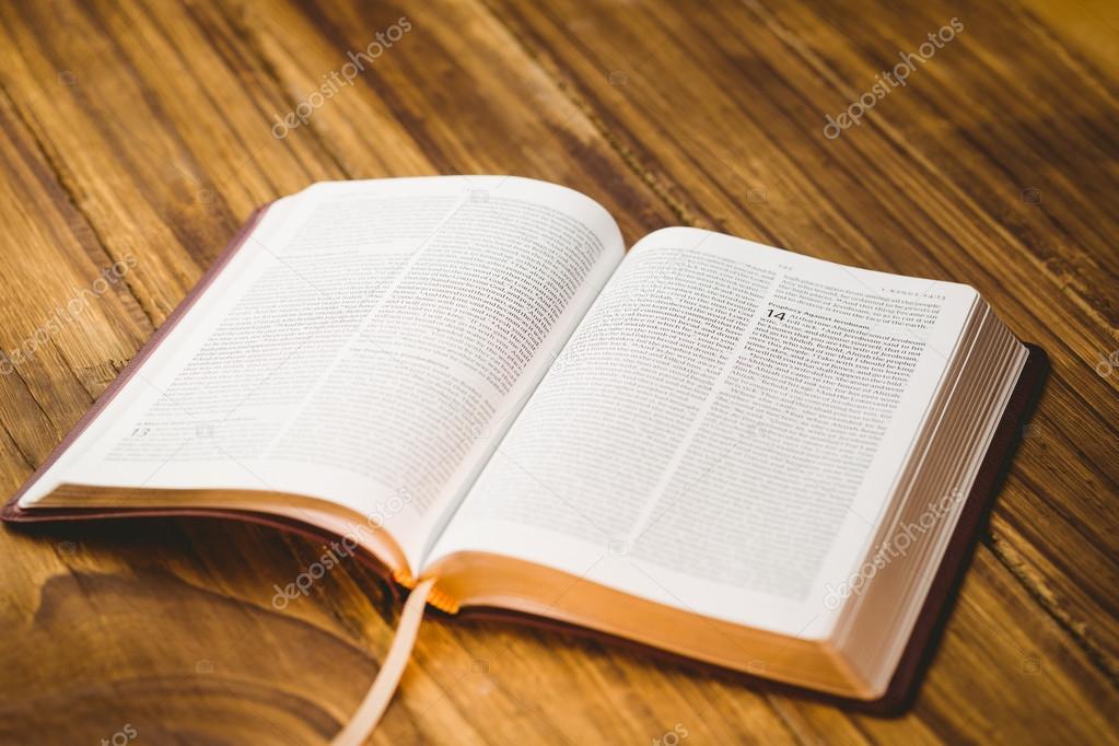 Imagens Bíblia Sagrada Evangélica Biblia Abierta Sobre La Mesa De