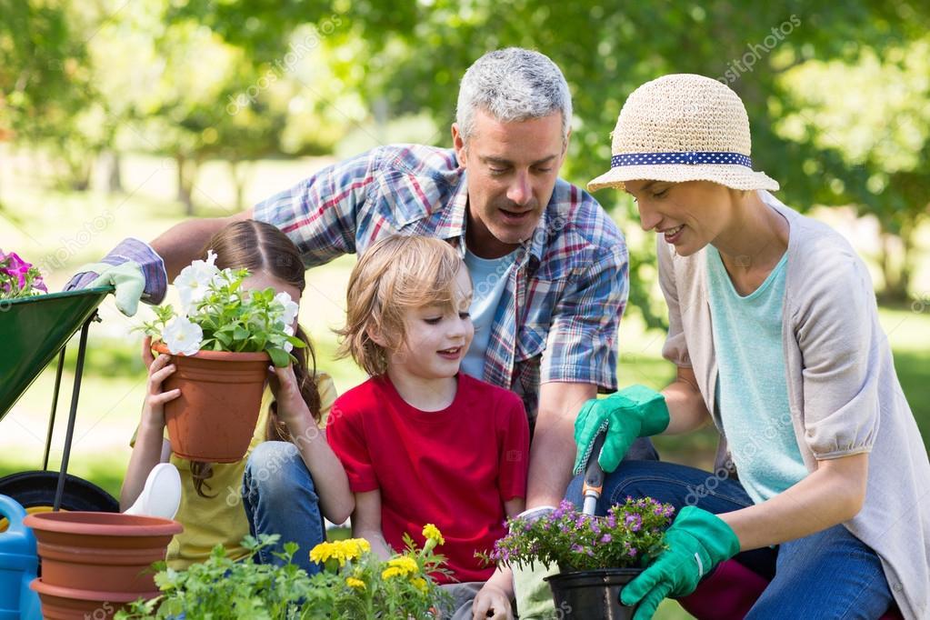 15,068 Children gardening Stock Photos | Free & Royalty-free Children  gardening Images | Depositphotos