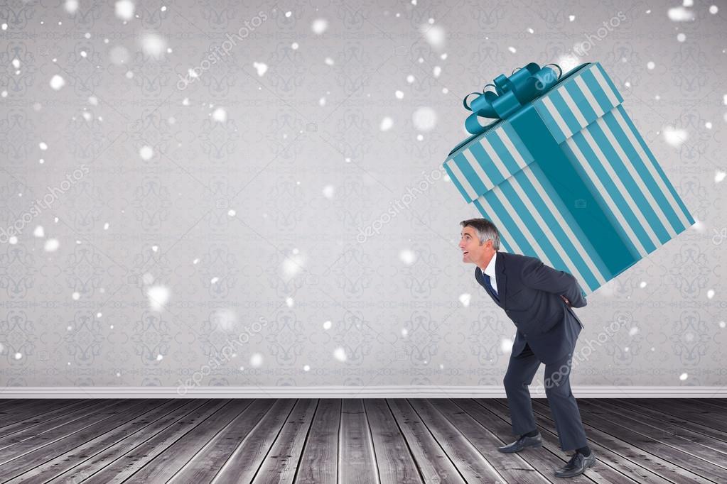 stilvolle Mann mit Riesen Geschenk — Stockfoto © Wavebreakmedia ...
