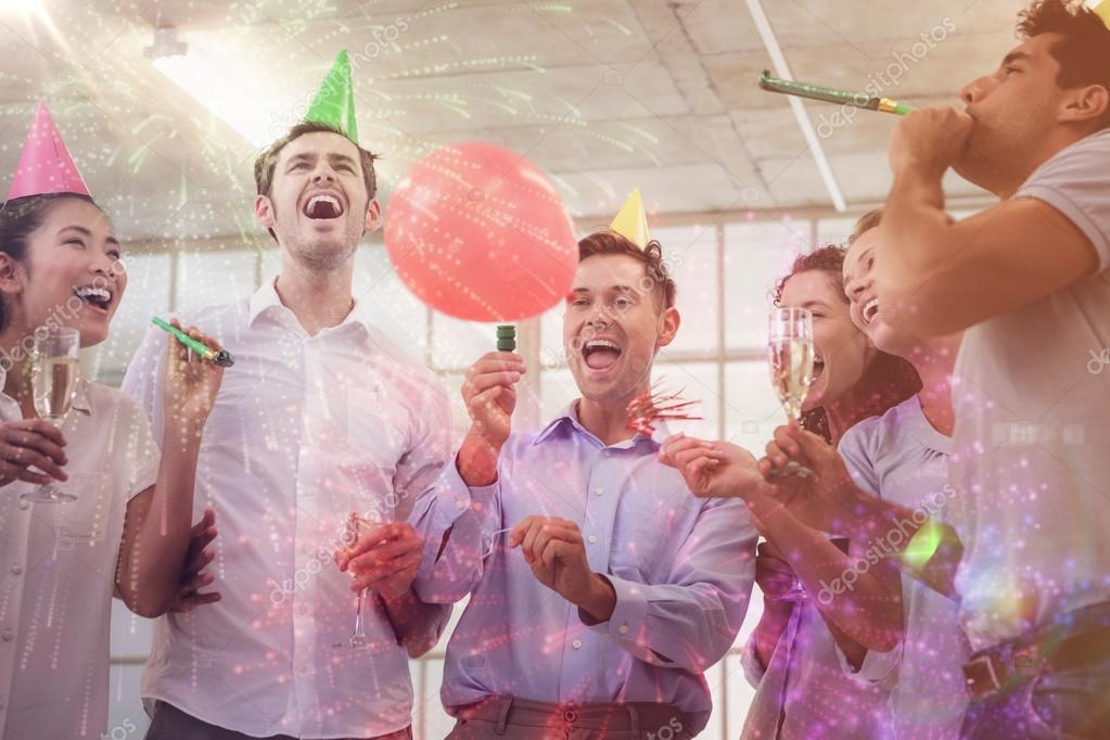 equipo de negocios celebrando con champán — Foto de stock ...