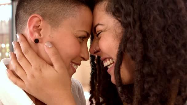 λεσβίες σε αγάπη βίντεο MILFs πορνό εικόνα