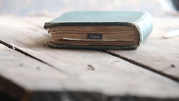 Zkouška idea - text a kniha
