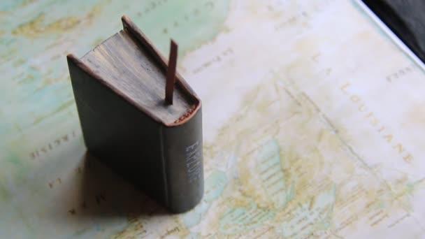 Explore or Journey idea. Map - North America by Claude Bernou 1681