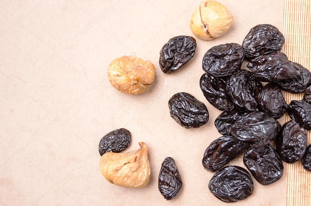 figs and prunes for constipation relief
