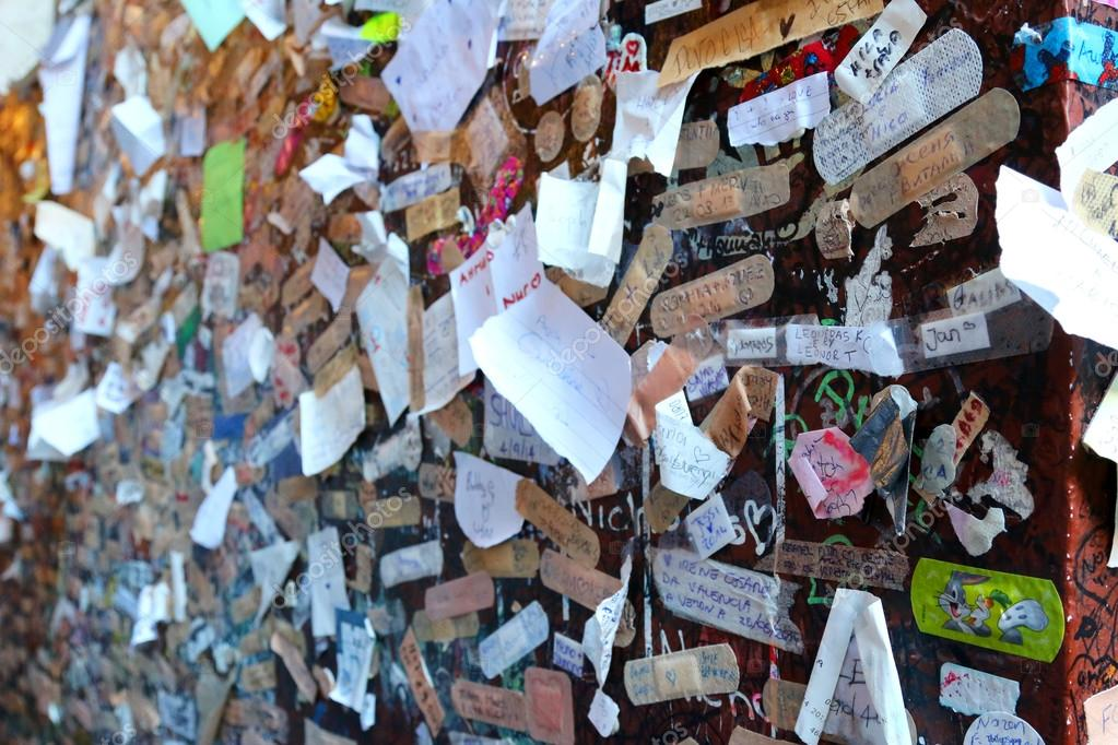 Names and love declaration near Juliet's house in Verona, Italy