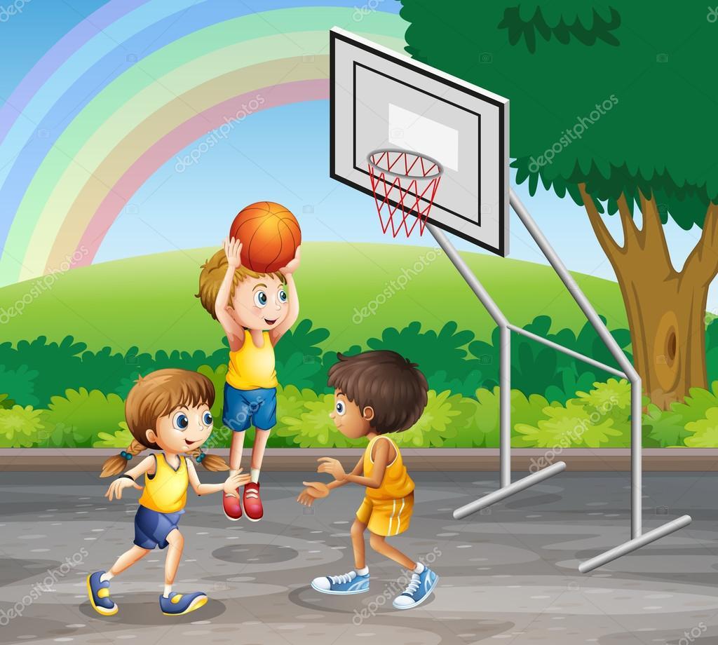 Tres niños jugando baloncesto en la corte — Vector de