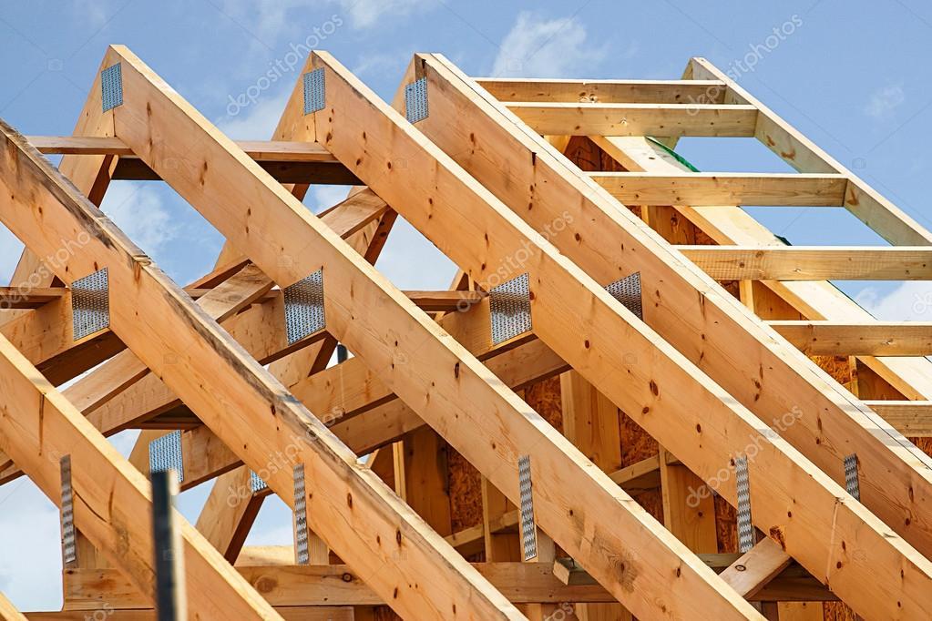 Standard Holz-Rahmen-Dachkonstruktion — Stockfoto © Stocksolutions ...