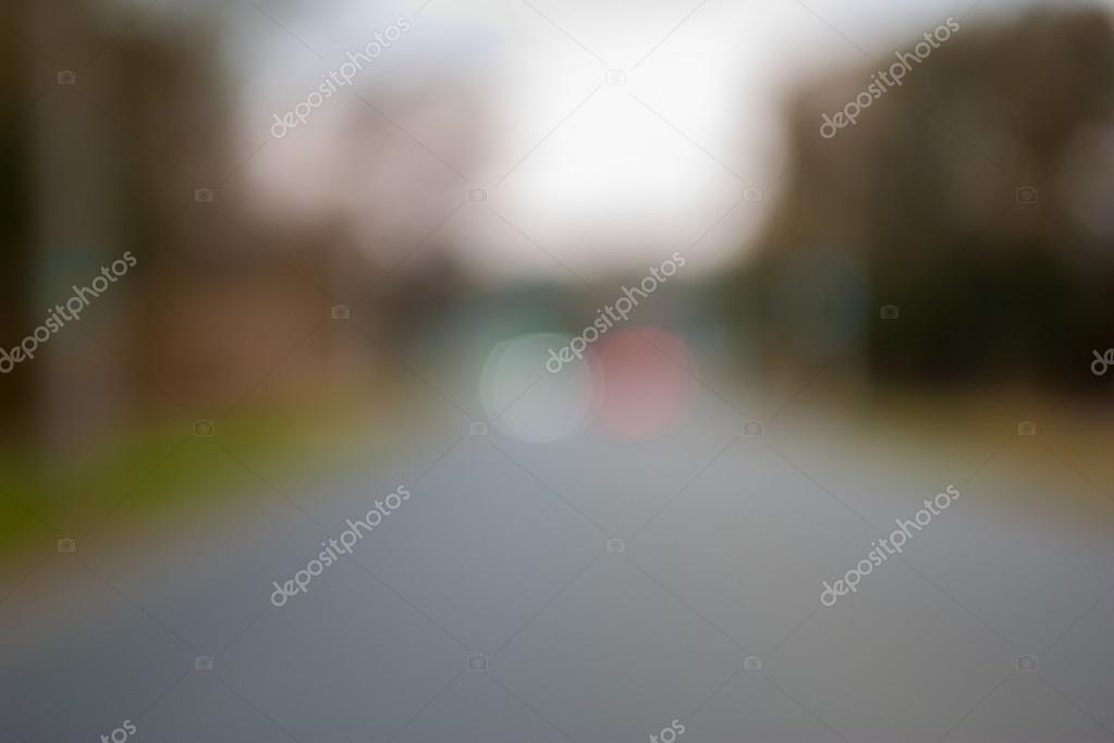 название фотоэффекта фото с размытым задним планом модели