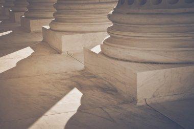 Pillars with Retro Filter