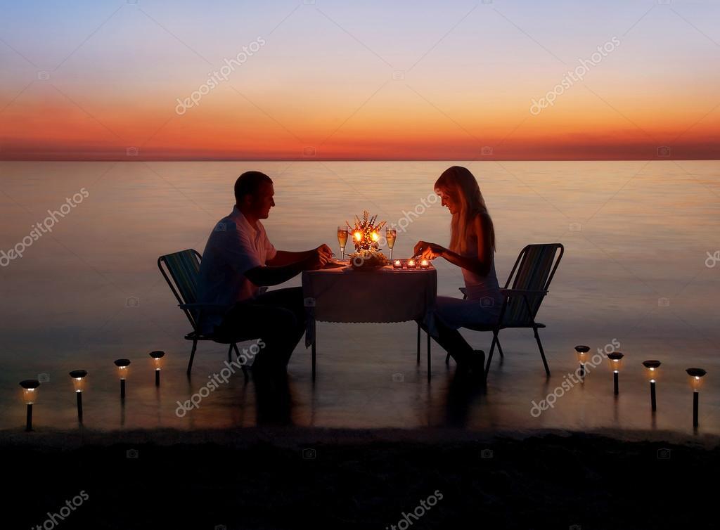 romantisch dineren aan zee