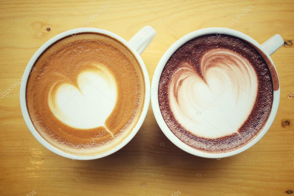 vintage latte art caf avec chocolat chaud photographie luknaja 84240726. Black Bedroom Furniture Sets. Home Design Ideas