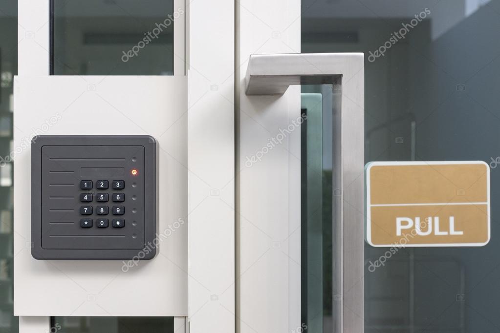 caja de la puerta de control de acceso electrónico con teclado ...