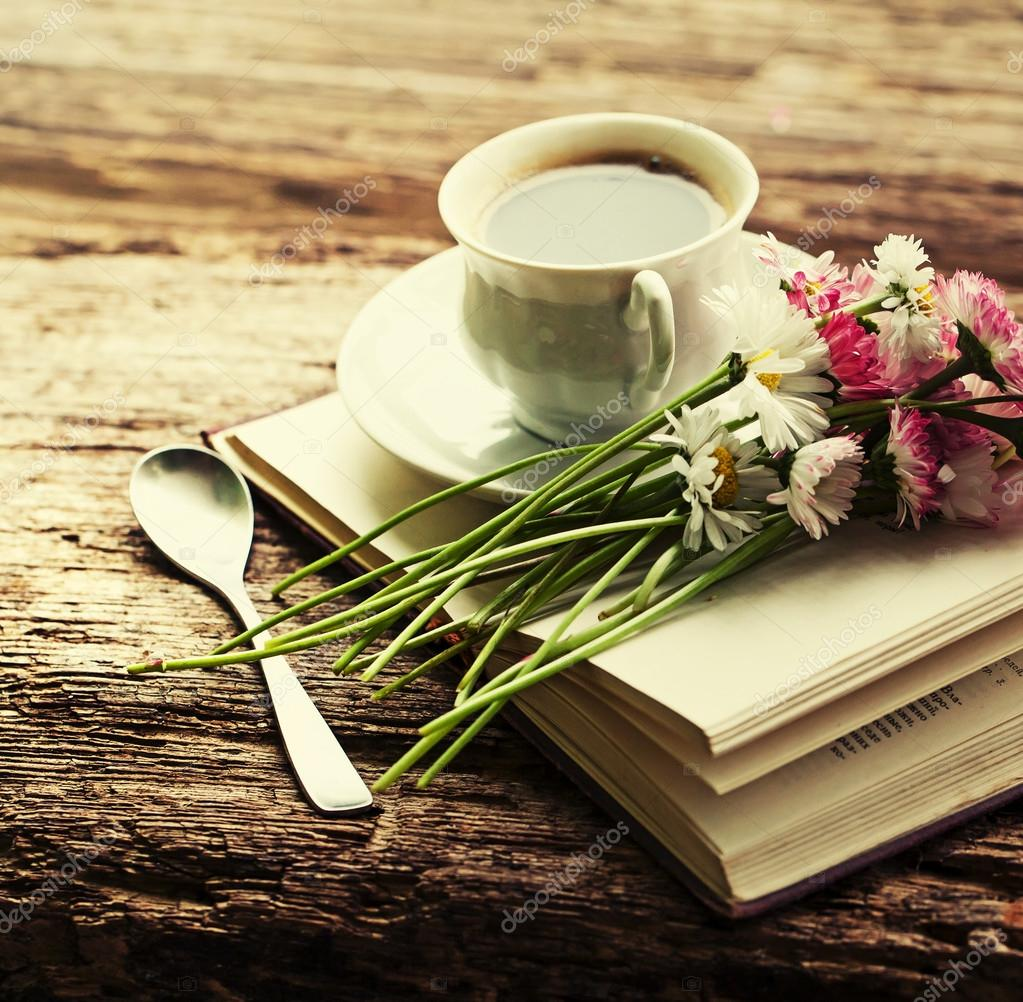 https://st2.depositphotos.com/1544309/5776/i/950/depositphotos_57767829-stock-photo-a-cup-of-hot-coffee.jpg