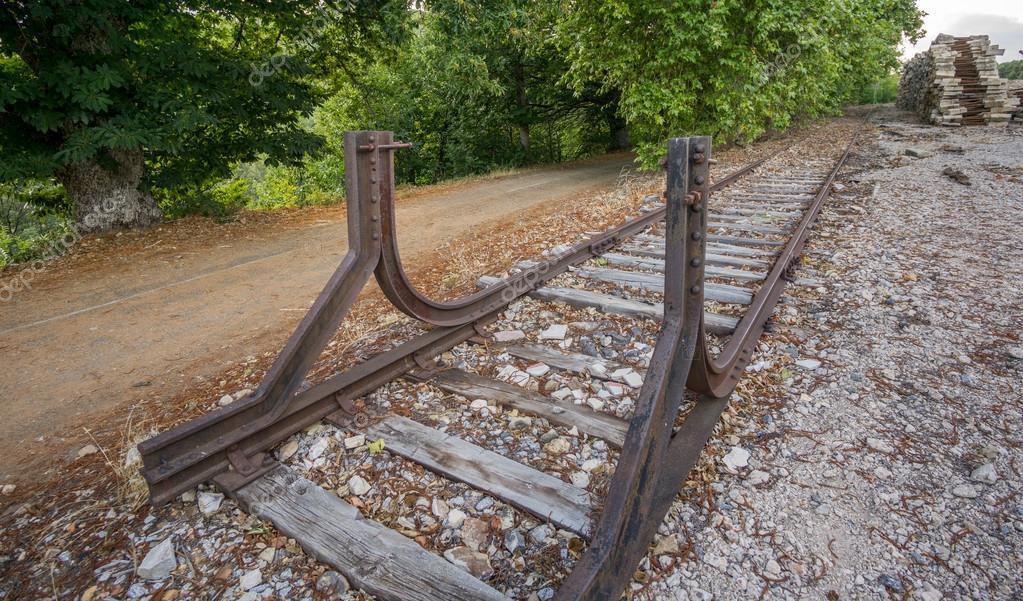 камины различаются тупиковый упор железнодорожный фото разделить утреннюю